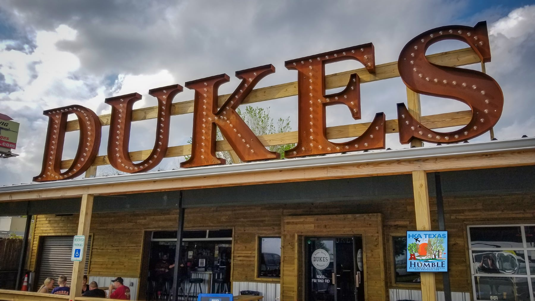 Dukes Bar Kitchen Humble