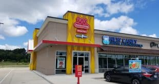 The long-awaited opening of Wienerschnitzel New Caney is over!