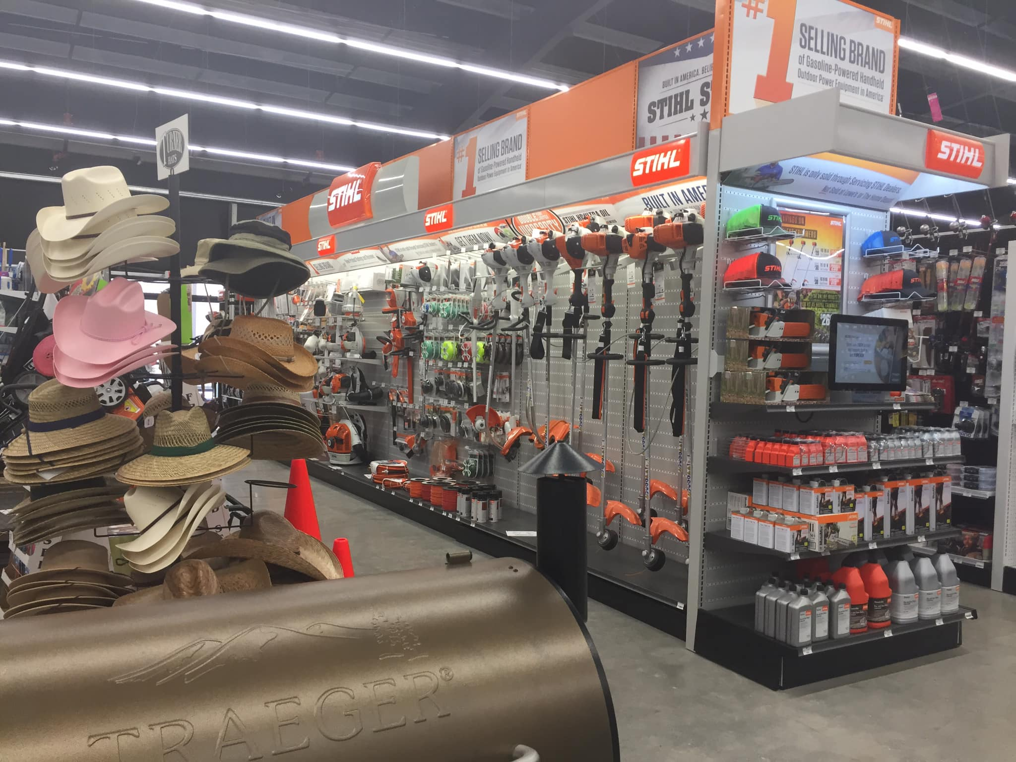 J&R's Ace Hardware celebrates GRAND OPENING in Porter, Texas